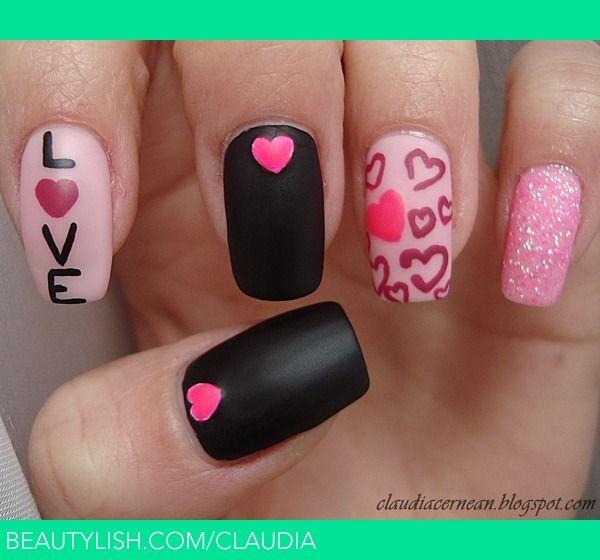 Tutorial on : http://claudiacernean.blogspot.ro/2013/02/unghii-cu-inimioare-hearts-nails.html