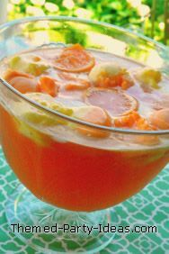 The Easiest Alcoholic Punch Recipe To make a really simple alcoholic punch start with two ingredients: 1 bottle of sparkling wine or champagne 3 jiggers of vodka (4 1/2 ounces) The third ingredient is 3 cups of any juice you have on hand. Good choices are: orange juice, cranberry, Hawaiian punch, or pineapple juice. Can add icecream/sherbert