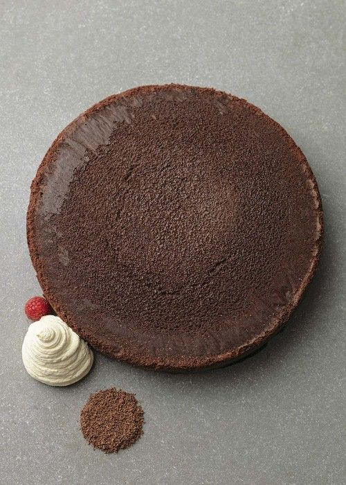 Taste of London Christmas 2015 Recipes | Tom Kerridge's flourless chocolate cake | Harper's Bazaar