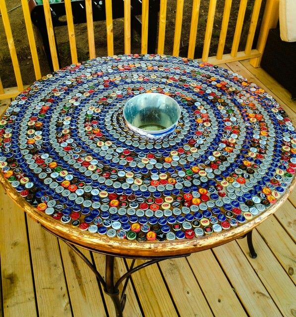 Best 25 bottle cap table ideas on pinterest bottle top for Bottle top art projects