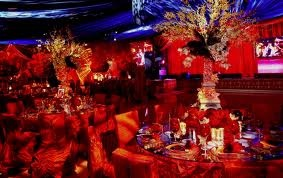 Red decor