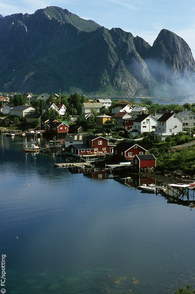 reine - norway - 02   by hors-saison