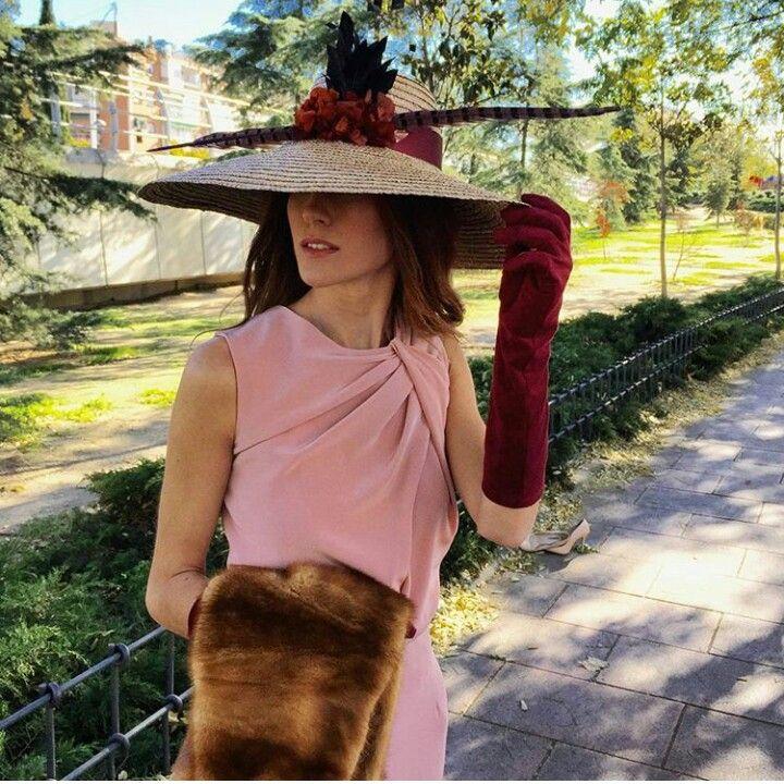 M encanta!!!! Me parece preciosa la combinación de rosa con burdeos