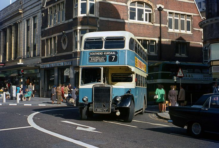 Southend Leyland PD2/40 No.307 in the Centre 1968