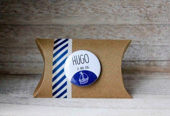 Boîte à dragées en kraft, badge aimant personnalisé (prénom, date, évènement), bord de mer