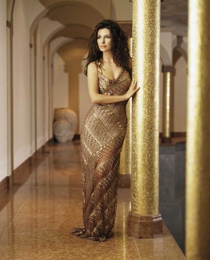 Shania Twain in a gold dress: Celebrity Shaniatwain
