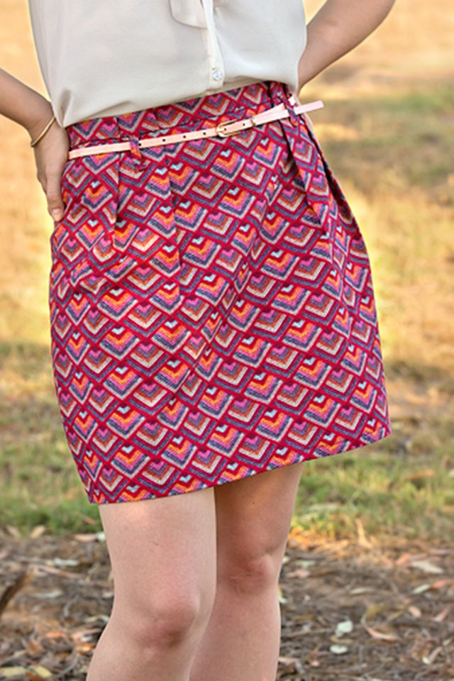 Alyson Skirt, free pattern - Spit Up & Stilettos - A paper bag skirt with a belt tie, invisible zipper in the back, front pleats and back darts.