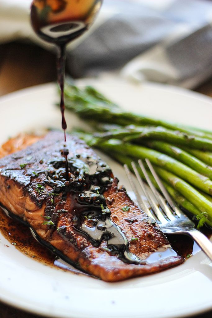 Here's a quick and easy balsamic glazed salmon recipe for salmon lovers. With a sweet and tangy balsamic sauce and ready in under 30 minutes!