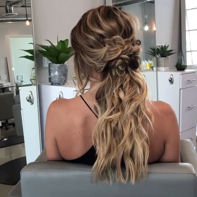 Best homecoming hairstyles - EveSteps -  Best homecoming hairstyles – EveSteps,  #best #evesteps #frisuren #heimkehr  - #BobHairstylesmedium #evesteps #hairstyles #homecoming #homecominghairstyles #promhairstyles
