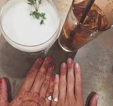 Resultado de imagen para anillo en dedo meñique dos personas