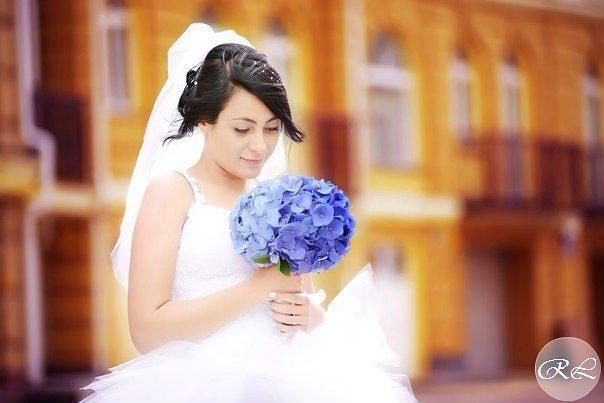 Букет из синей гортензии. Букет невесты в синей гамме