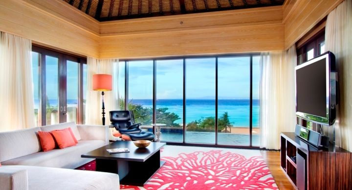 The ultimate in luxury, 340 square meters suite with 180-degree panoramic views of The Indian Ocean