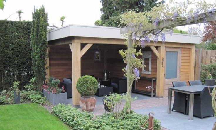 De deur en kozijn zijn gemaakt van eiken hout. De gehele terrasvloer is voorzien van basalt tegels.