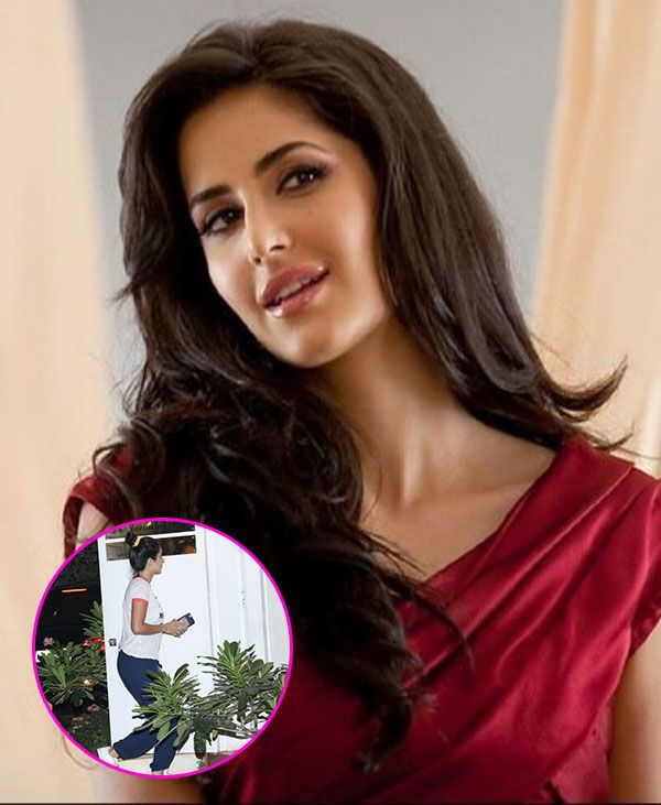 The sweltering heat in the city is getting the better of us, and it looks like even the celebs, despite their air-conditioned confines, are not exceptions to the rage of the May Sun. We spotted Katrina Kaif visiting a skin specialist in Khar, Dr Jamuna Pai. She was dressed very simply... http://indytags.com/katrina-kaif-spotted-visiting-a-skin-specialist-making-us-wonder-if-the-may-heat-got-to-her-view-hq-pics/