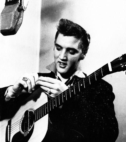 Elvis Presley, 1955: Elvispresley Presley, Music Elvispresley, Celebrity Elvispresley, Elvis Presley, Secret Elvis, Photo Session, Icons Music, Studios Photo, Elvis 1950S