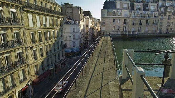 La rue Lauriston, dans le XVIe arrondissement.