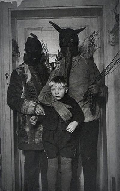 Some of these images will give you nightmares.  The simpler times of true horror. - Family Fun #scary, #vintage, #halloween