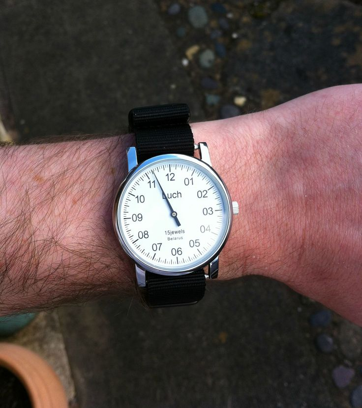 Luch one dial watch. Cool.