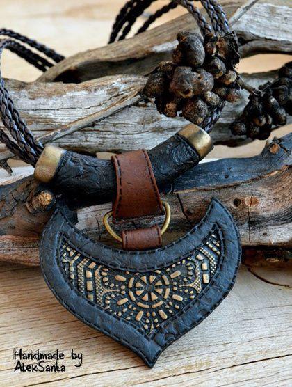 """Кулоны, подвески ручной работы. Ярмарка Мастеров - ручная работа. Купить Кулон """"Таурус"""" (крупный черный, коричневый, оригинальный). Handmade."""
