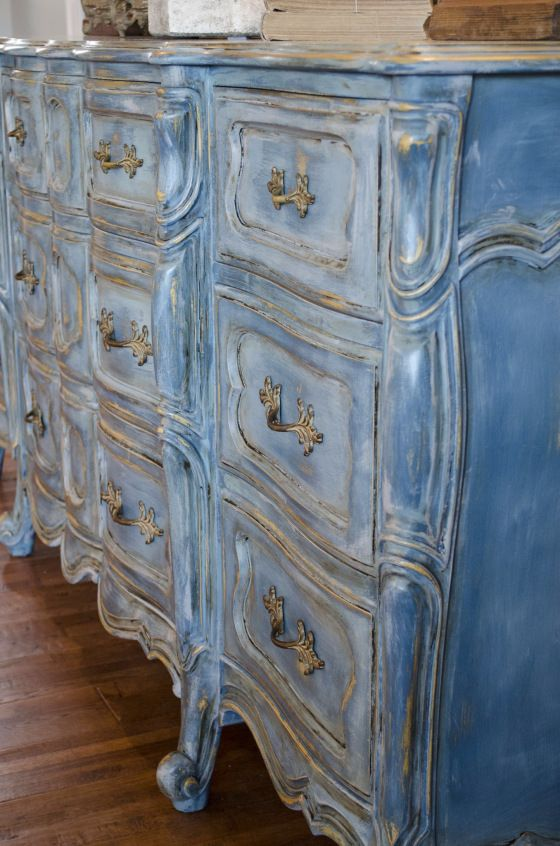 So out came the Annie Sloan chalk paint! I used layers of five colors beginning with a full coverage base coat of Aubusson Blue, then layered and highlighted with Provence, Duck Egg, French Linen, and Paris Gray.