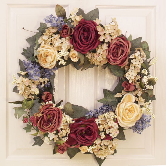 http://johnny-b.hubpages.com/hub/Outdoor-Wreaths---Beauty-for-Your-Home