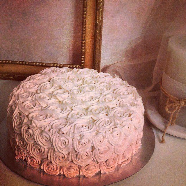 Rose buttercream cake.  Торт с розами из крема