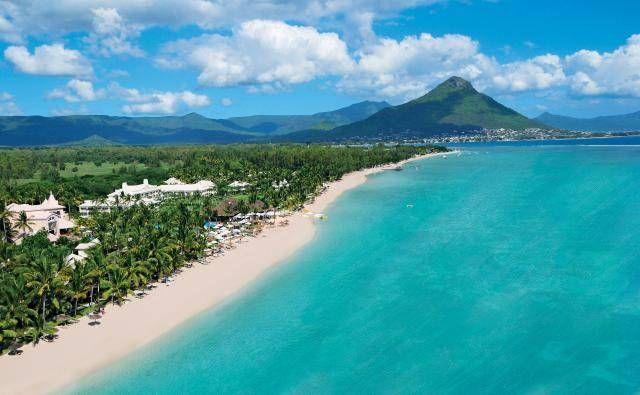 Sugar Beach Resort Mauritius -Holiday Cafe holidaycafe@travelbyarrangement.com www.holidaycafe.co.za 011 794 4900