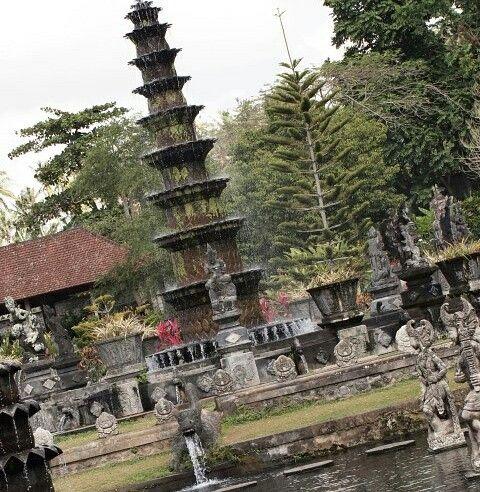 Taman air Bali