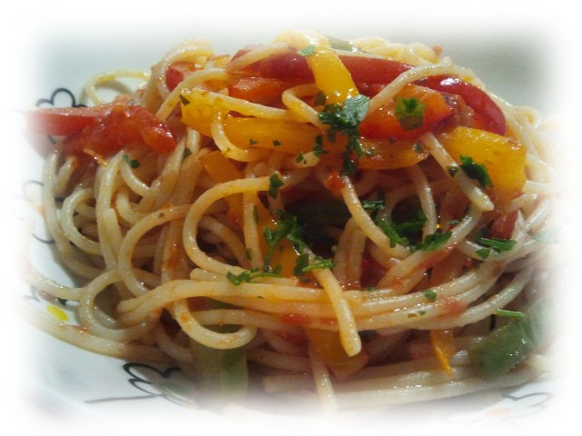 Spaghetti con peperoni - Follies of Cooking