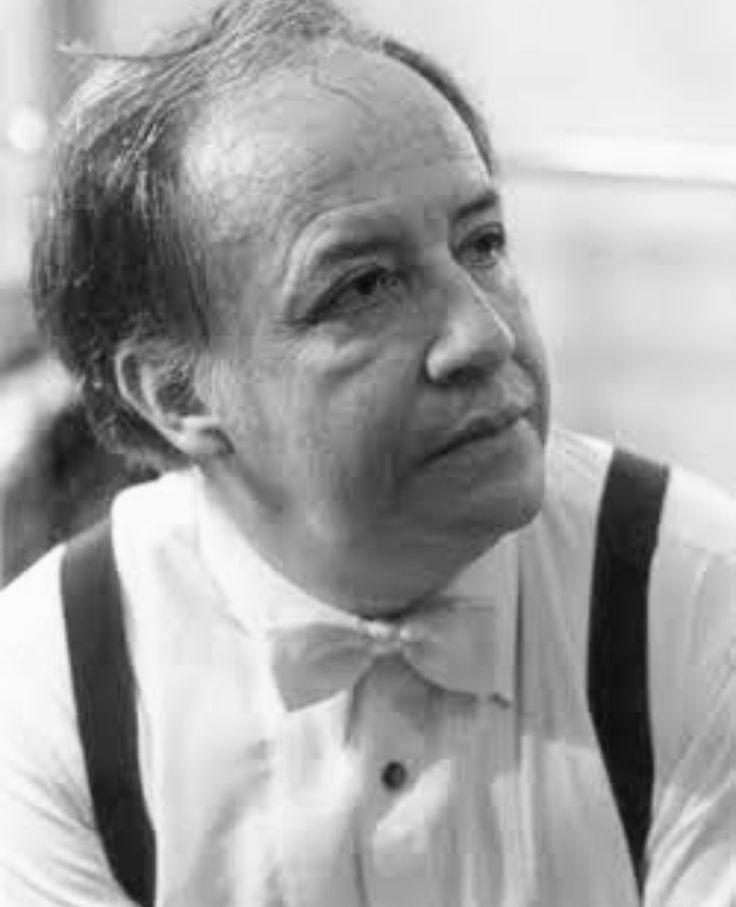 Francisco Savin 1929-2018Director de orquesta/compositor en México, director de la Orquesta Sinfónica Nacional, la Sinfónica Carlos Chávez, la Filarmónica de la Ciudad de México, la Orquesta de Cámara de Bellas Artes, la Sinfónica de Guanajuato, la Filarmónica de la UNAM, la Filarmónica de Jalisco, la Orquesta del Teatro de Bellas Artes, la Sinfónica de Aguascalientes, la Sinfónica de Xalapa y la Camerata de Coahuila