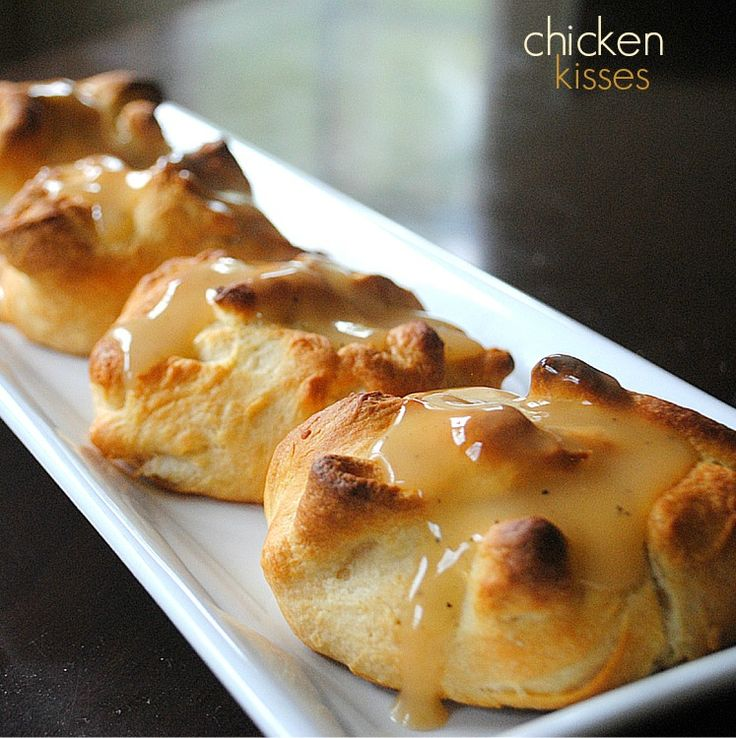 Chicken Kisses: Pillsbury crescents with creamy chicken filling and gravy. Comfort Food Dinner! A+