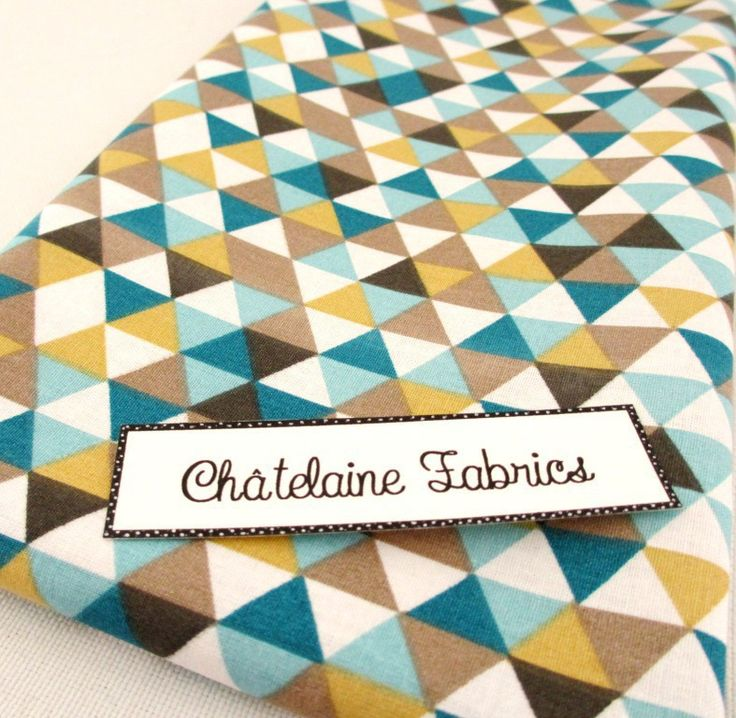 Coupon esprit scandinave coton motifs géométriques triangles multicolore 78/46 cm : Tissus à thème par chatelaine-fabrics