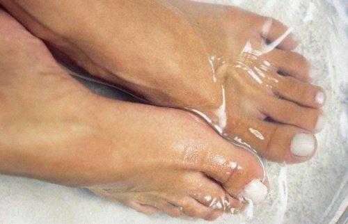 À quoi cela sert-il de mettre les pieds dans de l'eau froide ? - Améliore ta Santé