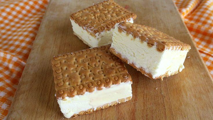 Gelati biscotto fatti in casa. Ricetta facile senza gelatiera per mini gelati in tre gusti: alla panna, all'amarena, al cacao. Mini porzioni di gelato