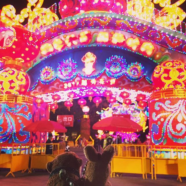 Soak in the last bit of festive mood! Last chance tonight to catch the Chinese New Year decorations at Yuexiu Park, where the famous Five Rams sculpture is also located by luggageoutletsg. alwayswandering #guangzhou #china #travelphotography #wanderlust #igtravel #love #sgig #livewelltravelled #travel #luggageoutletsg #travelingram #traveltheworld #wanderluststrikesagain #sgtravel #throwback #mondaybluesnomore #travelgram #wheretogo #followme #luggageoutlet #instatravel #TagsForLikes…