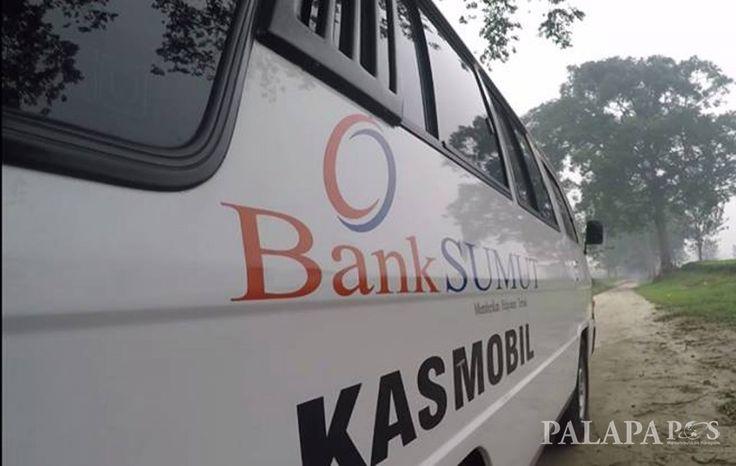 MEDAN - Kejaksaan Tinggi Sumatera utara, hingga kini masih mencari tersangka buronan Haltatif, yang diduga melakukan korupsi pembelian 294 unit kendaraan dinas Bank Sumut senilai Rp 17 miliar tahun anggaran 2013.