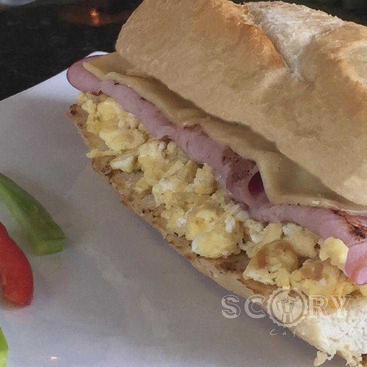 """COMBOS DE DESAYUNO """"Sandwich de jamón y queso"""": hecho en pan baguette, una combinación de jamón, queso danés y huevo. Incluye Ice Tea o Café. RD$150 (impuestos incluidos) (Válido de lunes a viernes de 6-10am) #breakfast #desayuno #yummie #foodporn #scory #scorycafe #scorylovers #delicious #delicias #iHambre #Gourmetrd #foodlovers #breakfastlovers #combos #especiales #special"""