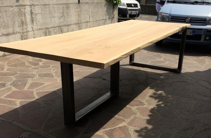 Tavolo in massello di rovere con gambe in tubolare