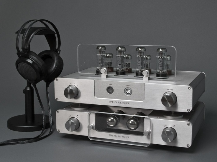 I want to cry this is so beautiful. An amplifier and what looks like an open headphone