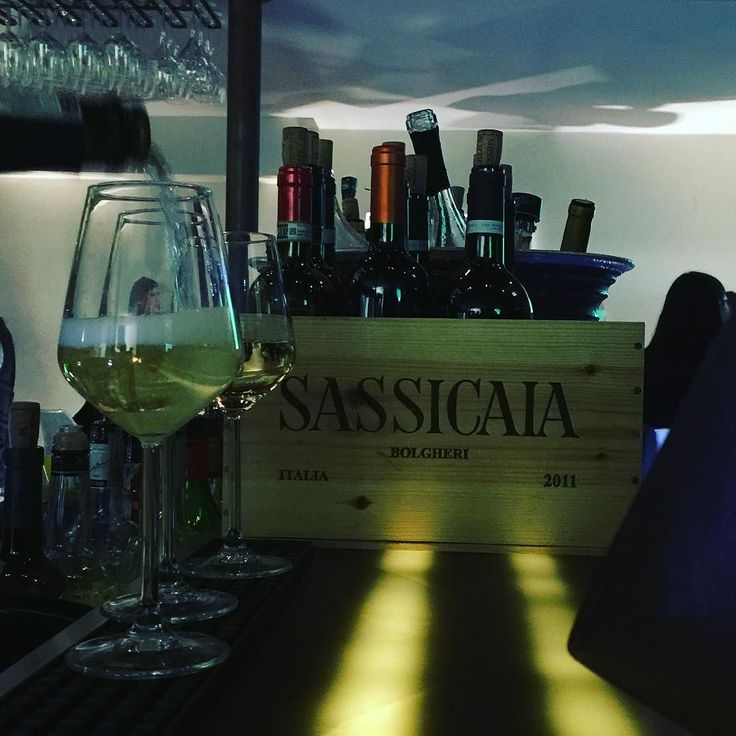 Defaticamento settimanale. . . . #TastingWine #Wineo #Wine #WineAndDine #Vinostagram #Cibo #CiboSano #CiboItaliano #Fooddiary #FoodJournal #MyFoodPorn #FillingFood #Foody #Foodinsta #Foodism #Foodgram #Foodshot #BloggerItalia #Bloglovin #BloggerGirl #FoodBloggerItaliani #FoodBlogging #Foodblogfeed #sassicaia
