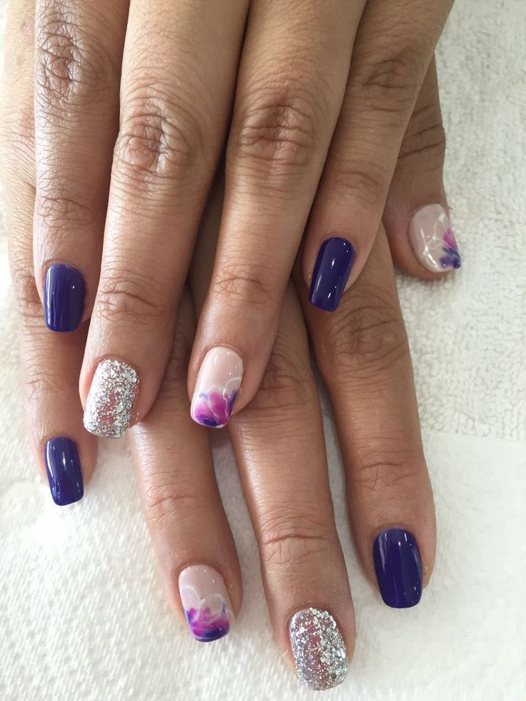 Nail Art. Gelish Purple and sparkling @coconailsbar