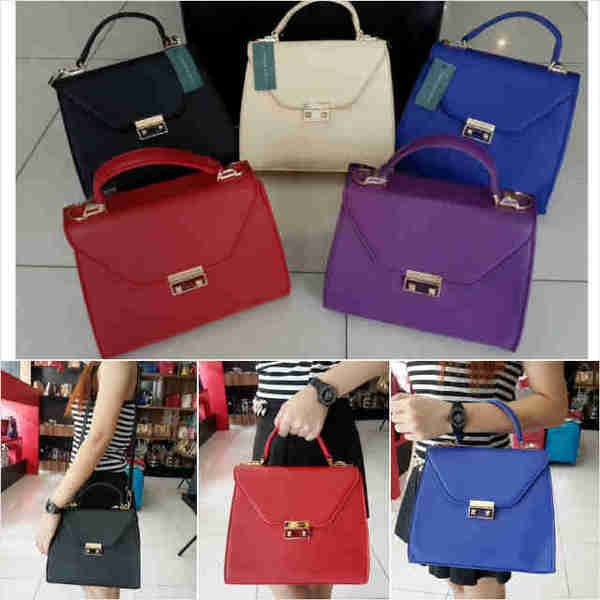 Ck 682 Semiori sz.26x12x22 bh. taiga. IDR 290K. colors: red, blue, purple, black, beige. cp Risa - 089608608277