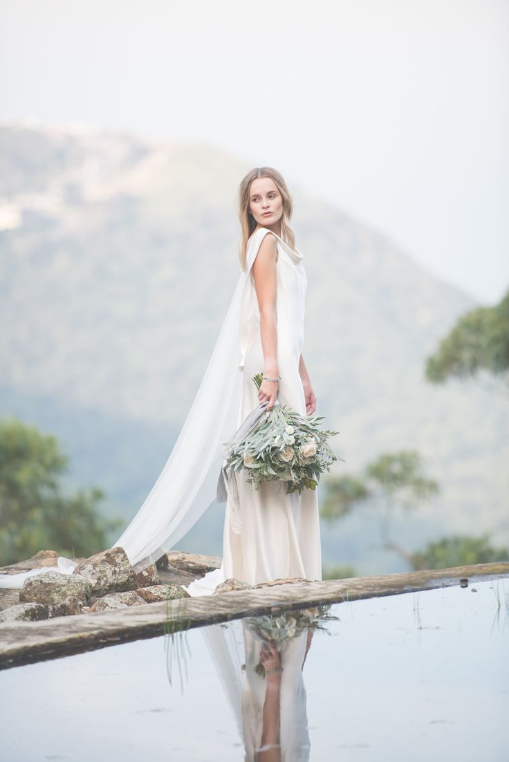 Romantically Elegant Garden Wedding Ideas - Polka Dot Bride | Photo by Michael Boyle http://www.michaelboylephotography.com/