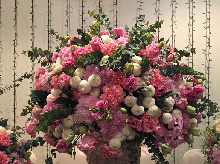 19 best images about flower arrangement on pinterest for Pink and blue flower arrangements