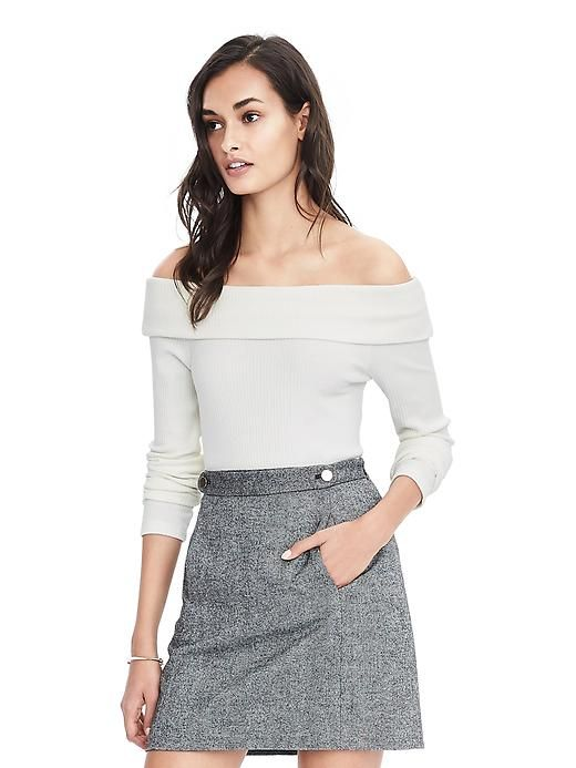 Long-Sleeve Rib Top in cocoon & Double front pocket skirt in black & white