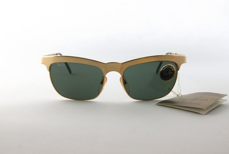 #vintage #Ray-Ban W0755 Gold brushed metal - Ray-Ban Sunglasses by Bausch & Lomb - Early 90s - Unisex design - by MarinaVintageItaly su Etsy
