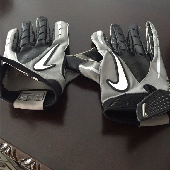 Nike Youth Football Gloves Worn only once,in very good condition Nike Other