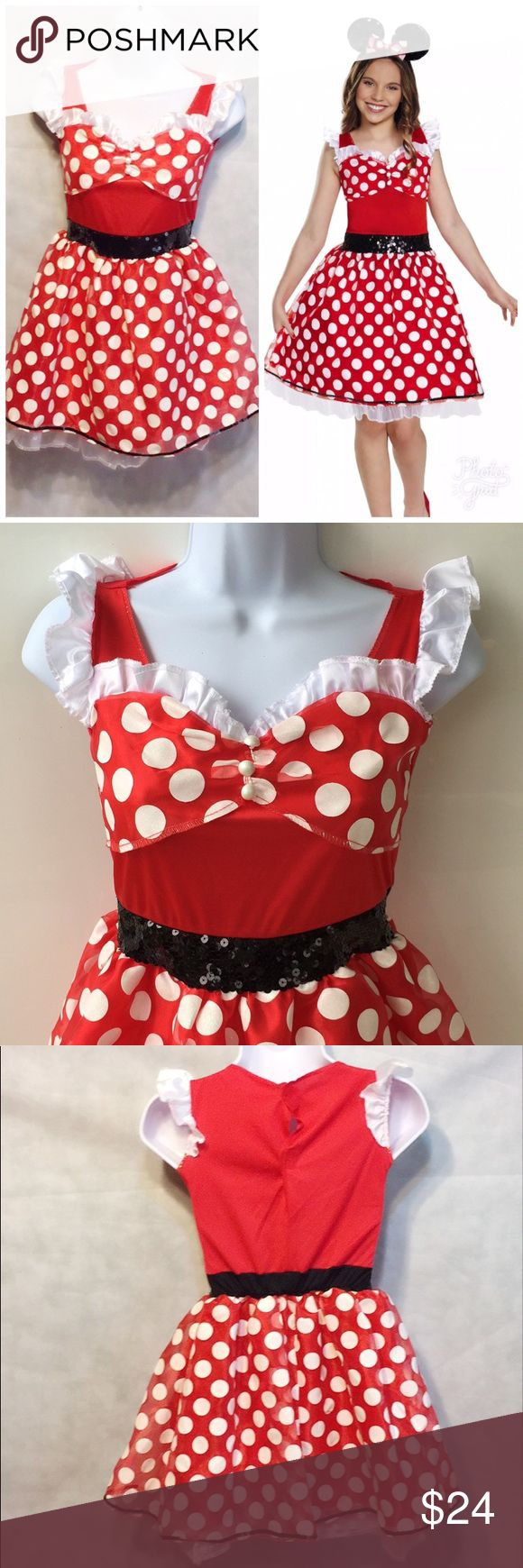 Minnie Mouse Girls Halloween Costume Large 10-12 Disney Red Minnie Mouse Tween Girls Fancy Dress Halloween Costume Size Large 10-12  Includes: 1x Dress  1x Headband   Size Large 10-12  Height: 54-60 in (137-152 cm) Chest: 30.5 in (77 cm) Waist: 27 in (69 cm) Hip: 32 in (81 cm) Disguise Costumes Halloween