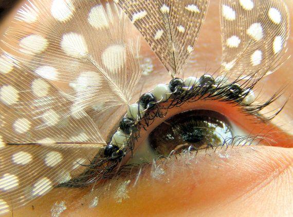 Eyelash jewelry with grey and white spotted feathers. Flexible, easily curved to fit your eyelid. Attach with regular eyelash glue. $30 #eyelashjewlery #etsy