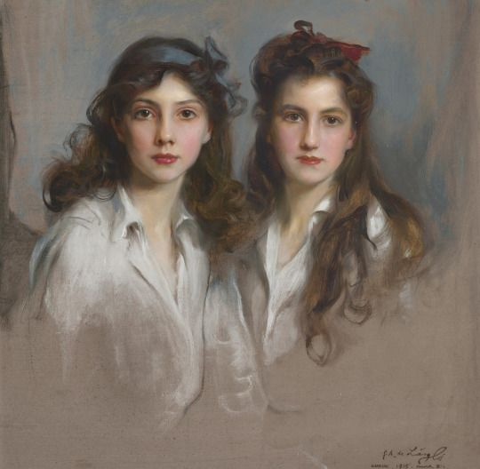 A 1915 portrait of Grand Duchesses Nina and Xenia Georgievna.: